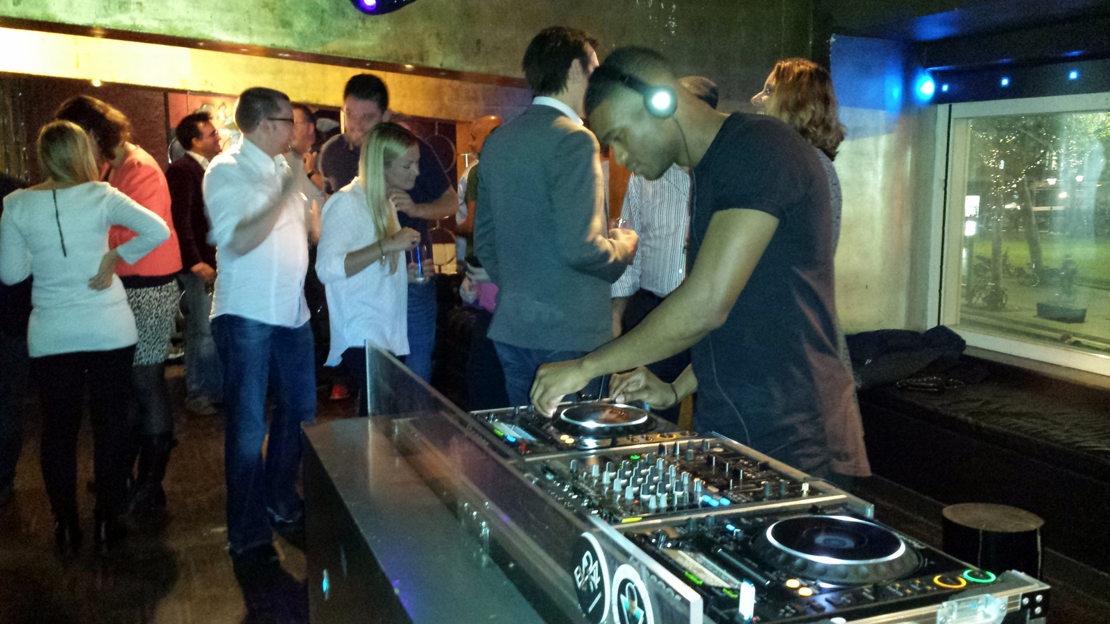 DJ-@-CareerBuilder-&-BroadBean-Party-@-HR-Tech-Europe-2014