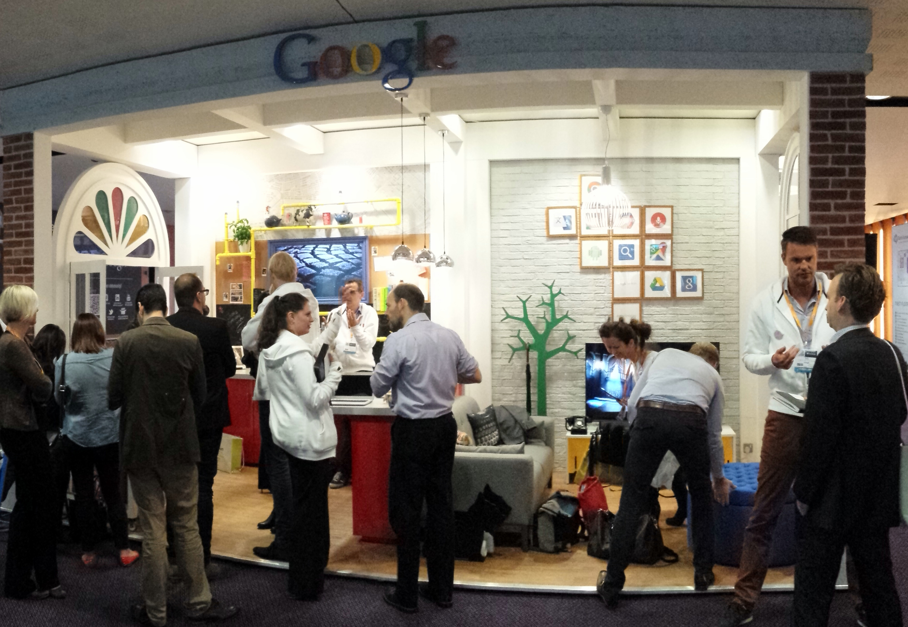 Google-at-Work-booth-@-HR-Tech-Europe-2014